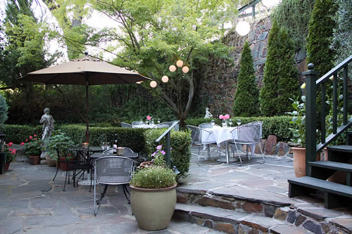 patio dining - amador wine country hotel, saloon & restaurant