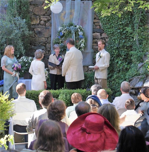 imperial hotel and restaurant in amador city - wedding ceremony on patio